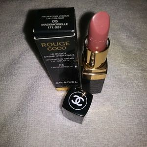 ROUGE COCO HYDRATING CREME LIP COLOR